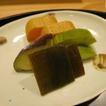 日本料理 太月 - 26年6月 白瓜・水茄子糠漬け、沢庵、昆布