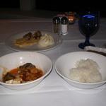 タワーレストラン - 四川風麻婆豆腐、竜田揚げ、肉まんなどです。