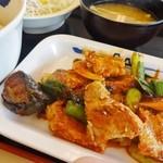 松屋 - タッカルビ風鶏の甘辛味噌炒め定食
