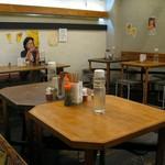 soto - テーブル席♪