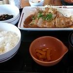 ガスト - 「四元豚シルキーポークの生姜焼き和膳」(799円、904kcal)