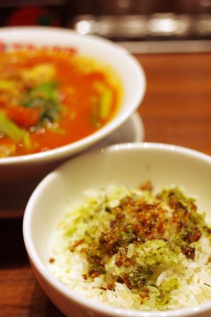 太陽のトマト麺 吉祥寺南口支店 - らあリゾ用のご飯(バジル)