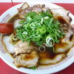 新福菜館 - 肉多め