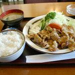 ラック - サービス定食(豚肉生姜焼)