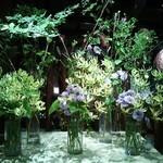 横浜うかい亭 - 2Fロビーの季節の花。