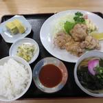やじろべえ食堂 - 唐揚げ定食 800円