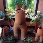 """cafe de しっぽな - 埴輪のような馬が""""こんにちは♪"""""""