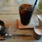 28441670 - コーヒーとデザート
