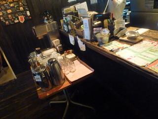 TUBO CAFE - ランチは、ドリンクフリーでした。
