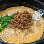 豆でっぽう - 料理写真:名物の坦々麺