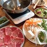あづみ家 - 特選赤豚オープンランチ70分食べ放題1200円