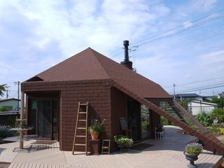 ミツバチガーデン カフェ - 変わった外観のカフェ