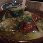イタリア食堂ワインバル クローバー - アヒージョ