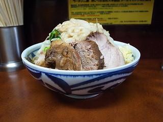 ラーメン二郎 めじろ台法政大学前店 - ぶた小ラーメン(ニンニク、アブラ)