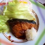 レストラン大博 - お魚定食のブリの照り焼き。