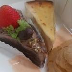 夢菓子工房 トック・ドール - チョコレートケーキ、スペイン風チーズケーキ、シュークリーム
