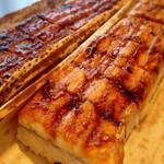 檜垣 - 蒸し穴子棒寿司と焼き穴子棒寿司