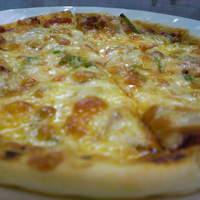 ペペロッソ - サクッとふわっともっちりしたピッツァです。1人前~3人前のサイズがあります。
