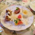 キャナリィ ロウ - ドルチェも食べ放題。