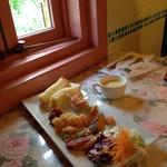 キャナリィ ロウ - 前菜食べ放題。
