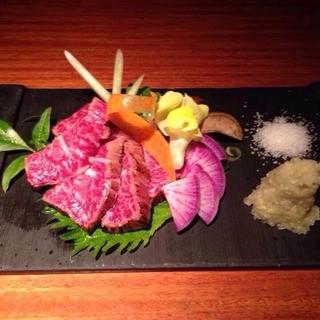 京都牛A5ランクのハラミの刺身!びっくりしますw
