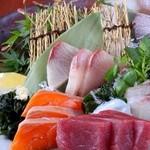 海鮮料理と個室 あろちゃん - お刺身盛り合わせ