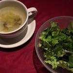 28464361 - ランチのサラダとスープ