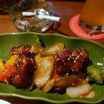 カタラタス - 黒酢酢豚 800円