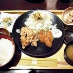 小樽食堂 - Aランチ:ザンギとカキフライ