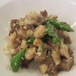 マジカメンテ ビバッコ - パスタ スペッツレ 牛すね肉の赤ワイン煮込みソース