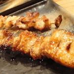雅バードランド - 皮(名古屋コーチン)タレ、塩