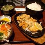 ブルドック - 黄金のから揚げ定食 \1,100