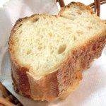 28472507 - 生パスタ・セット 800円 のフランスパン