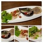 トラットリア アッカ - 共通・・前菜盛り合わせ(アオナのカルパッチョ、エイのお料理、鰯のマリネ、リエットなど)。  どれも前菜としてはレヴェルが高いですね、美味しいですよ。