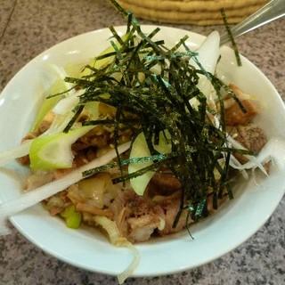 ちよだ - 料理写真:ミニチャーシュー丼