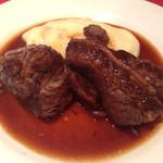 ビストロバル パリ4区 - 牛肉の赤ワイン煮込み