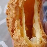 松山堂 - (2014/5月)「窯だしクッキーシュー」の断面