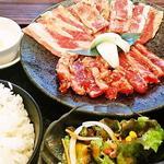 安楽亭 - 料理写真:特盛り牛・牛カルビ200ランチ