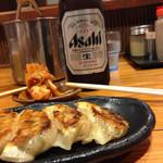 28497094 - 安定の、餃子キムチビール
