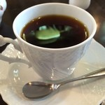 江戸深川珈琲本舗 - 新大塚オリジナルブレンド500円。コク深い味わいがなんとも印象的な一杯です。