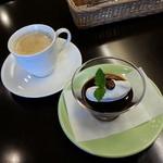 ほほえみカフェ - セットのコーヒーとコーヒーゼリーです(2014年6月)。