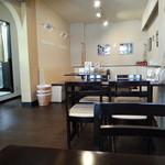 ほほえみカフェ - キレイな店内です(2014年6月)。