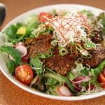 フクモト - ステーキサラダ丼