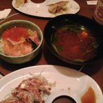 ももじろう - 海鮮丼に巨大赤だしが付いてきます!!