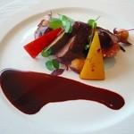 28513780 - シャラン産鴨のロティ チェリーソース お肉がとっても柔らかいです