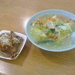 みよしタンメン - タンメンと「志ら井」の煮込み