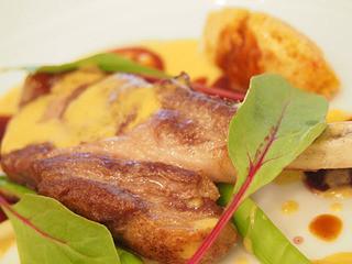 ル・ビストロ・資生堂 - 仔羊背肉のロースト ココナッツ風味のカレーソース