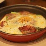BOSSO - アスパラガスの半熟卵グラタン