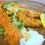 れすとらん高砂 - 料理写真:特大海老フライ