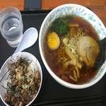 ホロホロラーメン - 醤油ラーメン¥190+ミニチャーシュー丼¥150